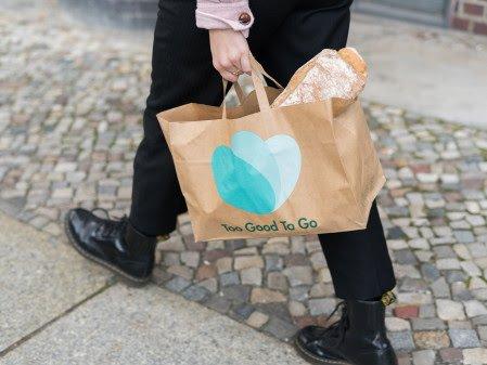 Nordmenn er ivrige matreddere og kjøper stadig mer overskuddsmat. Foto: Too Good To Go