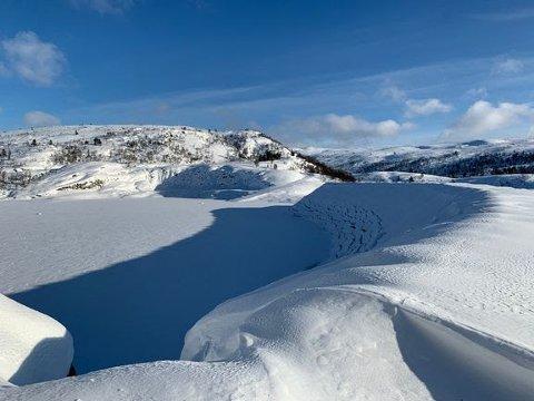 FARE: Det advares mot å ferdes på regulerte vann da isen kan være utrygg.