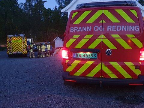 RYKKET UT: Brannvesenet i Flekkefjord rykket ut til en bolig i Gråsteinsveien lørdag kveld.
