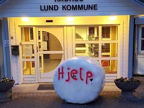 BEDT OM HJELP: Bøndene i Lund har sagt tydelig ifra, og bedt kommunen om hjelp. Kommunen er så langt blant kommunene som ikke har sluttet seg til oppropet.