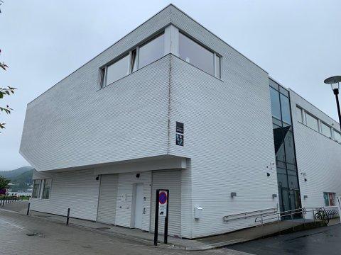 SPIRA: Vask av tak og fasade på Spira er lagt inn med 100.000 kroner i forslaget på hva som skal prioriteres av ekstra bygningsvedlikehold.