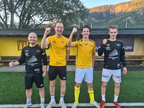 GLEDER SEG: Hovsherads Kay Eirik Litsheim (fra venstre), Sindre Røyland, Thomas S. Haaland og Joakim Ødegård er klar til å vinne over Moi i fredagens lokaloppgjør i fotball mellom de to Lund-lagene.