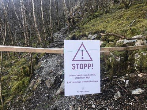 STENGT: Rundløypa med sti opp lia fra Roligheten er fortsatt stengt. Alle som skal til Brufjell må nå gå stien fra Roligheten via Sandvika for å unngå enda mer ødeleggelse i terrenget.