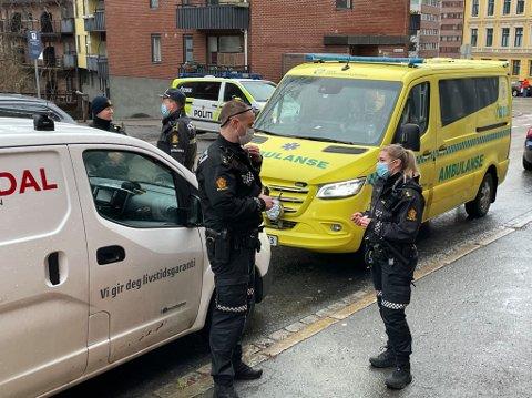 VOLDSHENDELSE: Politiet rykket ut etter melding om en voldshendelse i en leilighet på Bjølsen onsdag formiddag.