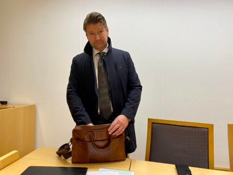 FENGSLET: Politiadvokat Christian Hatlo fikk medhold i at en 23-årig siktet skal sitte fengslet i fire uker.
