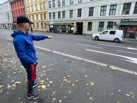 FARTSDUMP: Her vil Carl-Axel Storheim ha ny fartshump for  å hindre støy og råkjøring fra biler og motorsyklister.