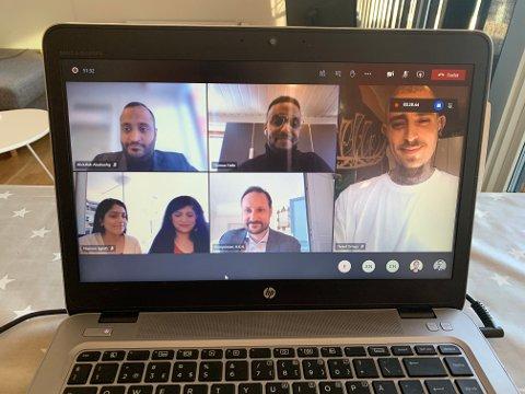 Nasreen Begum, Tehrim Ahmed, Thomas Haile, Daniel Ortega og Abdullah Alsabeehg møtte kronprins Haakon til samtale om etableringen av Bydelsfedre i Oslo torsdag ettermiddag.