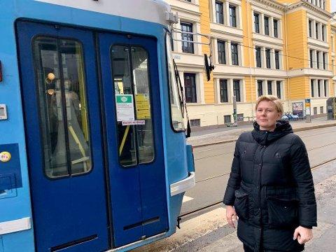 FAU-leder Maria Strand ønsker å trafikksikre Uranienborg skole.