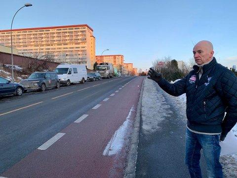 Styreleder Edvin Hammervold på Rødvtet mener sykkelfeltet burde vært planlagt annerledes.