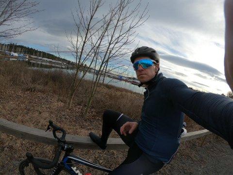 SKUMLE VEIER: Den tidligere proffsyklisten Mads Kaggestad mye av tiden på sykkel i Sørkedalen. Han mener Sørkedalen og Maridalen må bli bedre tilrettelagt for både bil og sykkel.