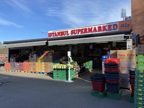 TROSSER PÅBUD: Istanbul Supermarked var en av utsalgsstedene som trosset påbudet om å holde stengt langfredag.