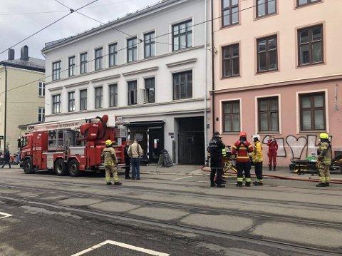 BRANN: Nødetatene rykket ut til Vogs gate etter melding om brann i en leilighet fredag.