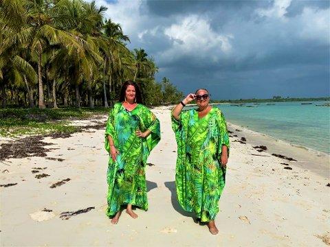 EKSOTISKE: Merete Stubhaug (42) (f.v.) og Lene Wikander (52) har Zanzibar som base og ivrer for å skaper nye kvinnesamarbeid.