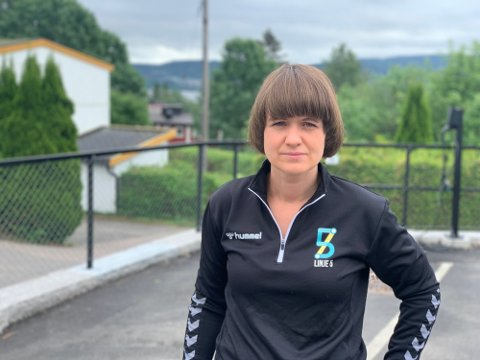 REAGERER: Leder i Linderud håndball, Oda Sjøvoll, reagerer kraftig på Oslo kommunes oppførsel. – Konsekvensen kunne blitt at masse unger i Groruddalen stod helt uten et tilbud, sier hun.
