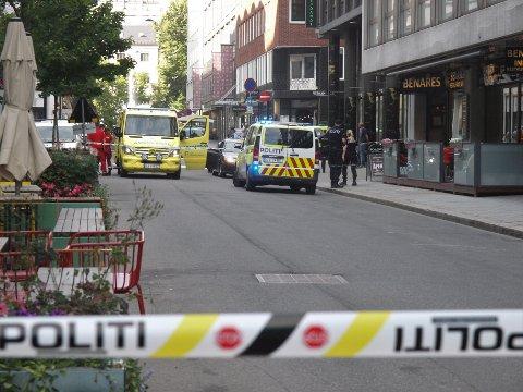 SKUTT: En person ble skutt og drept i denne bilen mandag ettermiddag.