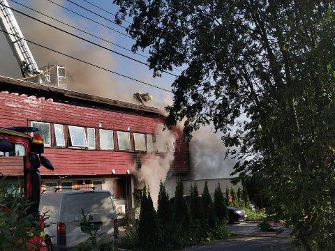 BRANN: Det brenner i en leilighet i Ulsholtveien på Furuset