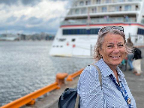 LETTET: Daglig leder Marit Utaker i Oslo Guidebureau er glad for at sesongen endelig er i gang, men utsiktene fremover er usikre.