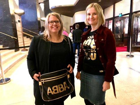 Søstrene Ida (31) og Linda (36) Engebråten har kjørt helt fra Nes i Årnes for å være med på kveldens store event.