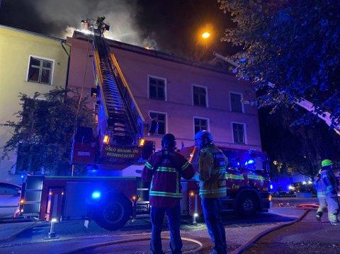 FULL FYR: Brannen rammet flere oppganger i bygården fra 1930-tallet på Torshov.