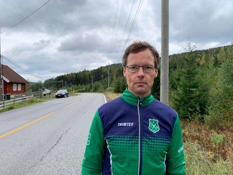 ALVORLIG ULYKKE: Sørkedalen-beboer Erling David-Andersen (46) var vitne til nok en alvorlig ulykke mellom bil og rulleskiløper i Sørkedalsveien. Han reagerer kraftig på at politikerne ikke har kommet med noen tiltak.