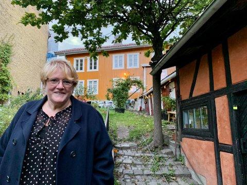 """SAMFUNN: Tidligere Venstre-leder Trine Skei Grande kjøpte et gammelt hus på Kampen i februar. Da fikk hun et helt """"bygdesamfunn"""" med på kjøpet."""