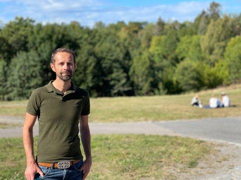 Hallstein Bjercke (V) går hardt ut mot samarbeidspartiet Høyre. – Paradoksalt at Oslo Høyre nå er det eneste partiet som er villige til å rasere et grøntområde i Oslo vest