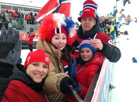FAMILIEN: Familien Halland kosar seg med skisporten.