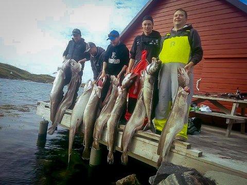 Denne gjengen hadde seg ein heftig fisketur på Fedje. Fangsten vart eventyrleg.
