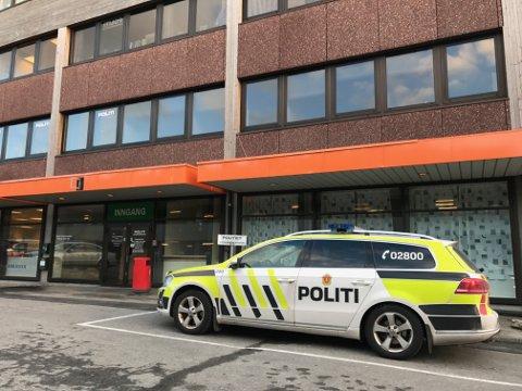 Sjølv om ein har fått behalde politikontoret i Knarvik, står det nye politidistriktet i Nordhordlandi fare for å miste budsjettansvaret og ein lokal leiar i form av lensmann eller politisjef.