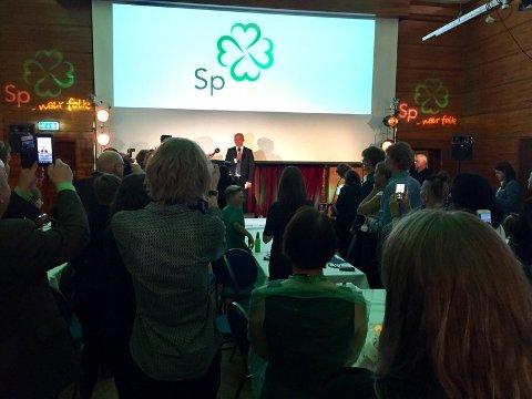 Senterpartiet har fossa fram i fleire av Nordhordland-kommunane. Her frå partiet si valvake.