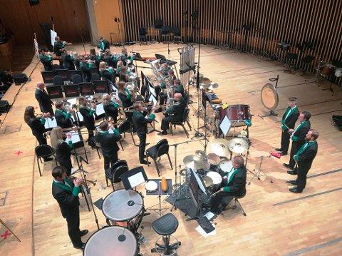 Manger musikklag kom på ein svært så respektabel 4. plass i det prestisjetunge  konkurransen «Brass in Consert» i England.