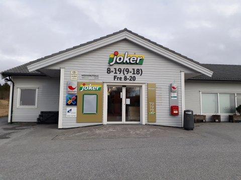 Joker Byrknesøy har oppgradert lokala og inventar for nær to millionar kroner. I morgon har dei nyopning og vil markere med kaffi og kaker for kundane.