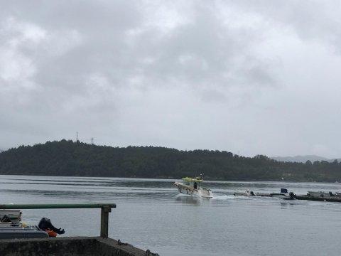 Her rykker brannbåten ut frå Isdalstø.