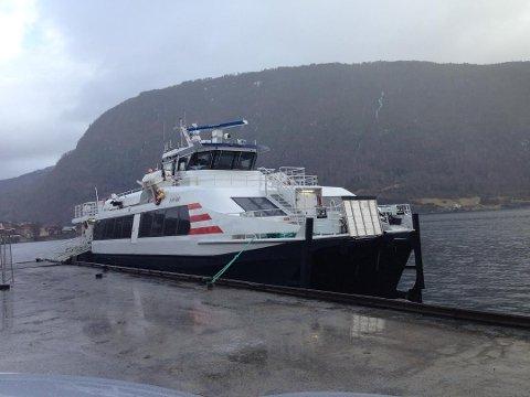 Det var om bord i hurtigbåten «Tyrving» frå Bergen til Nordfjord den nederlandske turisten fekk hjartestans og vart redda av eit titals nyutdanna legar om bord.