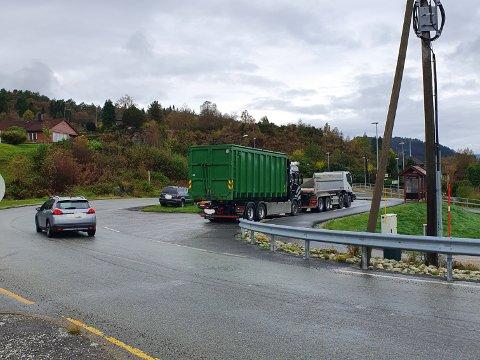 Ein av vegvesenet sine to kontrollar i Alver torsdag, vart halde på Fossesjøen på Holsnøy.
