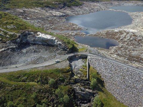 Vegstrekninga mellom Bjordal og Matre blir stengd fram til juli 2021, grunna arbeid med ny bru.