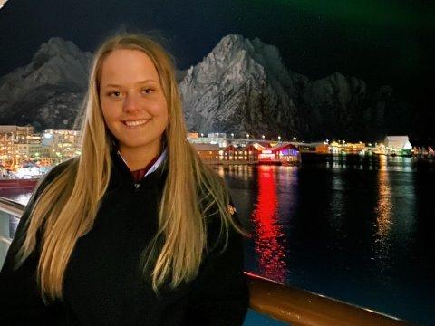 Yvonne Gudmundsen (20) fekk beskjed om at ho ikkje skulle på jobb berre to dagar før ho skulle gå ombord på Hurtigruten etter tre veker heime.