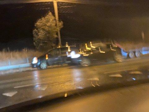 Bilen som måtte ha hjelp stod på motsett side av avkøyrsla til Bergen fengsel.