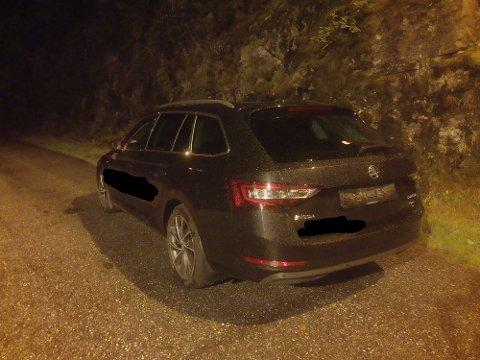 AVSKILTA: Bilen var ikkje registrert so drosje, og hadde ikkje forsikring. Då tok vegvesenet skilta.