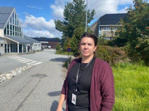 Informasjonssjef Benedikte Fanebust Søreide hos Equinor Mongstad fortel at fleire tilsette vart evakuerte som følge av brannen.