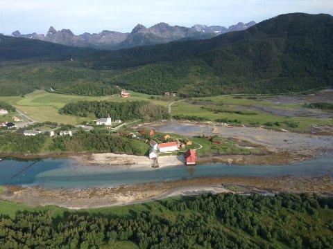 Kjerringøy var tidligere egen kommune, nå en utkant i Bodø. Byfolk som ønsket ytterligere ekspansjon vet ikke nødvendigvis sitt eget beste. Et regionssenter er avhengig av livskraftige omland som igjen krever levende lokaldemokrati