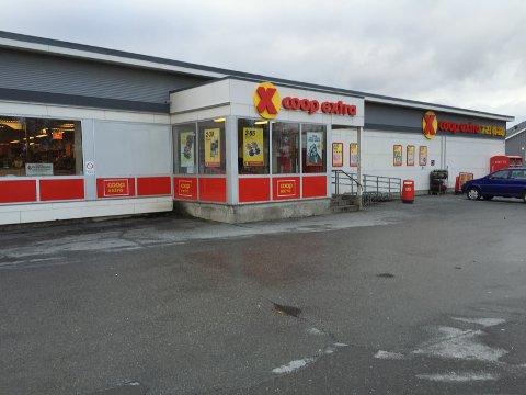 Knuser Rema: Coop Extra-kjeden har økt omsetningen med 13 prosent i år. Her er butikken i Bankgata i Bodø.