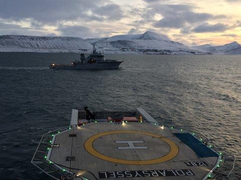Fra søksområdet nord av Kapp Heer på Svalbard hvor både «Polarsyssel» og KV Barentshav har deltatt. (Foto: Frode Urke)