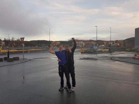 Fredags formiddag la Rema 1000 Stormyra ut dette bildet på Facebook, og er helt klart lykkelige for nyåpningen av innkjørselen.