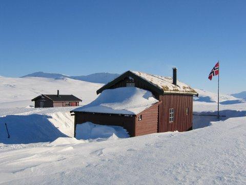 IDYLL: Midtistua på Saltfjellet på en pen dag med masse snø. Det nærmeste påbygget inneholder ved og toalett, og er totalt utilgjengelig på grunn av Ylvas herjinger.
