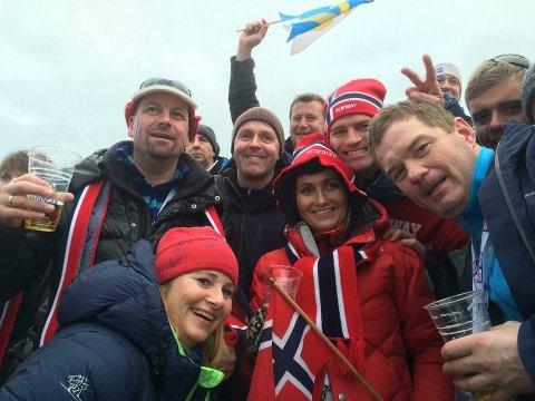 Ståle Indregård (t.h) er klar for å reise på VM-tur. Han reiser sammen med Anne Grethe Lund, Ketil Skår, Maria Wallon, Lisbeth Karlsen og Geir Karlsen.