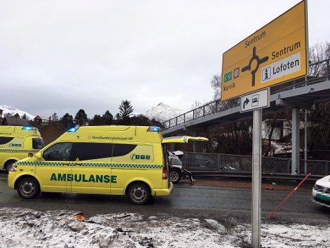 Frontkollisjon ved Svolvær sentrum. (Foto: Bjørnar Larsen)