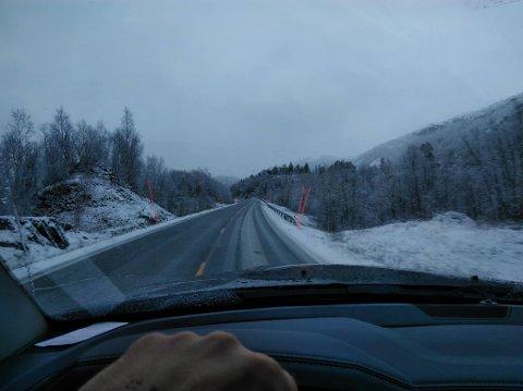 Langs veien mellom Sommerset og Kobbelv i Sørfold kommune tok Stefan Esaiassen dette bildet, som Avisa Nordland har fått lov til å gjengi.