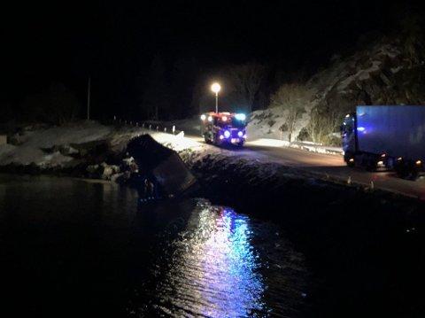 Lastebilen har kjørt ut i retning Svolvær.