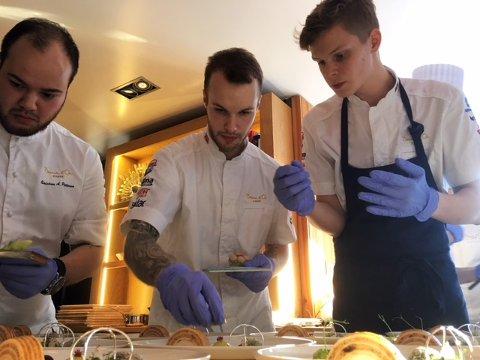 NOMA: Fredrik Lundgren (midten), her sammen med Christian André Pettersen, og Fredrik von Opdorp under forberedelser til Bocuse d'Or 2017
